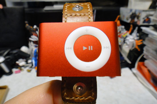iPodShuffle_2nd_2008red_033.jpg